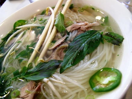 noodle soup time. at pho's. again...