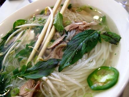 noodle soup time. at pho's. again...